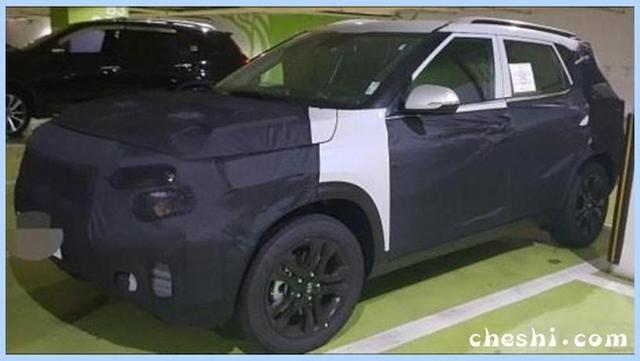 起亚再推全新SUV 配悬浮车顶 竞争大众探歌